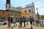 Protestní pochod na ochranu zdroje pitné vody u Uherského Ostrohu pořádaný spolkem Za vodu pro lidi, 13. června 2020