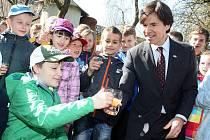 Návštěva velvyslance USA Andrewa H. Schapira v Hostětíně.