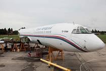 V minulých dnech si nadšenci, kteří chtějí nekdejší vládní letecký speciál Tupolev Tu-154M přepravit do Leteckého muzea v Kunovicích, připsali další velký úspěch, když se jim povedlo odpojit pravý centroplán (vnitřní část křídla) od trupu letounu.