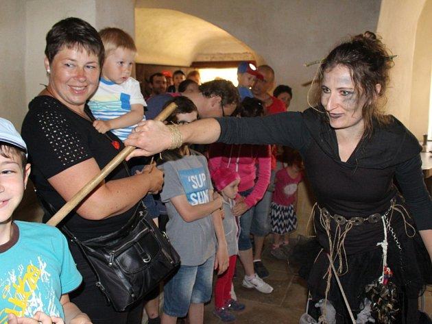 Sobotní program na hradě Buchlově patřil strašidlům hradu Buchlova.