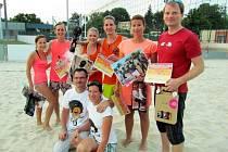 Dvaatřicet týmů tuzemska a Slovenska se v Uherském Hradišti zúčastnilo turnaje Afrika Beach Open.
