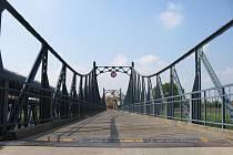 Most v Kostelanech projde v následujících měsících rekonstrukcí, jezdit se pak po něm bude už méně.