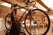 V podkroví uherskohradišťské Reduty bude vystaveno na pět desítek historických kol