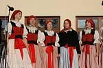 Folklorní soubor studia Buchlovice.