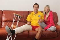 Zraněného záložníka 1. FC Slovácko Lukáše Fujerika čeká zřejmě roční pauza.