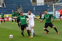 Fotbalisté Slovácka (v bílých dresech) ve 25. kole FORTUNA:LIGY proti Jablonci