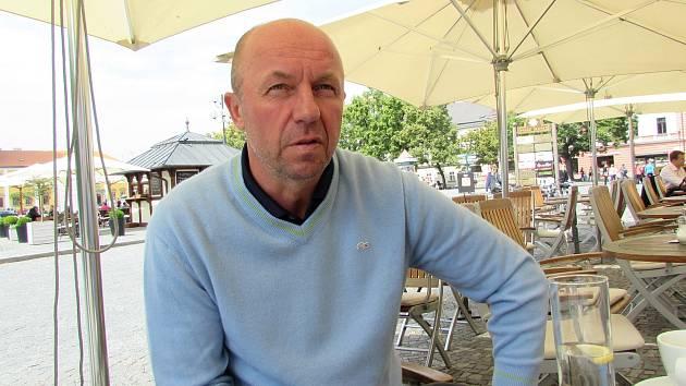 Bývalý reprezentant a vicemistr Evropy z roku 1996 Miroslav Kadlec žije v Uherském Hradišti. Pravidelně chodí i na Slovácko.