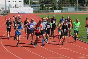 Na start Slovácké hodinovky se postavilo třiadvacet běžců. Byl mezi nimi i zakladatel iniciativy Běžím s Květošem Tomáš Ježek.