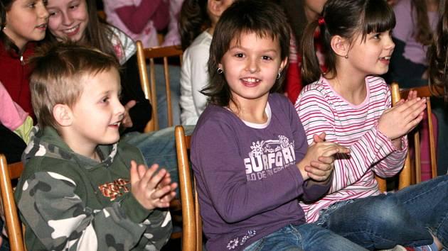 Publikum pěvecké soutěže.