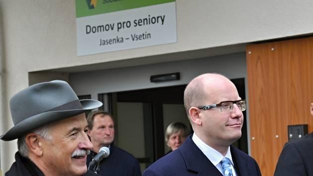 Slavnostní otevření a prohlídka nového Domova pro seniory ve Vsetíně, Jasence.