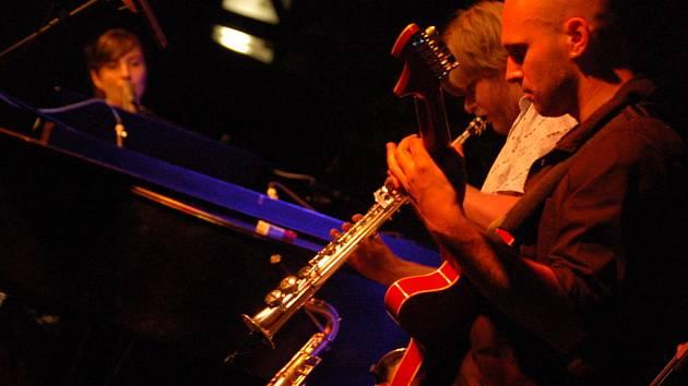 Amsterodamská zpěvačka a klavíristka Wotienke koncertovala v rámci LFŠ v hradišťské Redutě.