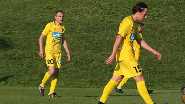 Fotbalisté Strání po rozvolnění opatření začali se společným tréninkem.
