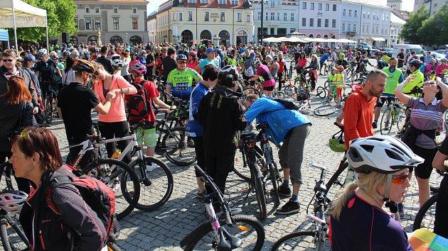 Třináctý ročník symbolického otevírání cyklostezek na Slovácku Na kole vinohrady