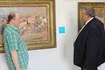 Na 133 obrazů Joži Úprky si přijel prohlédnout do galerie Joži Úprky v Uherském Hradišti v odpoledních úterních hodinách 12. července také hejtman Zlínského kraje Stanislav Mišák.