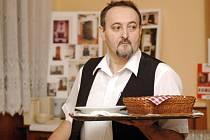 Vladimír Burda má práci v restauraci v krvi po svých předcích.
