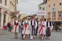 Krojovaný průvod menších i těch náctiletých prošel centrem Hradiště.