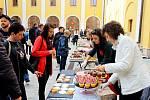JÍDLO JE ZÁŽITEK. Food festival vUherském Hradišti byl kulturní záležitostí, která dokázala lidi spojit a nadchnout.