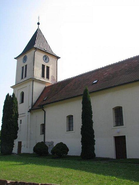 Kostel svatého Petra a Pavla v Horním Němčí.