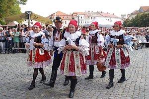 Slovácké slavnosti vína: krojovaný průvod z Vinohradské