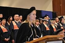 Absolventi Evropského polytechnického institutu Kunovice získali bakalářské diplomy.
