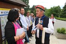 Komise soutěže o Vesnici roku přijela ve středu 7. června také na Slovácko. Mimo jiné navštívila i Nivnici a Korytnou.