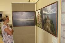 Jubilejní pátý ročník festivalu Dny slovanské kultury tentokrát zaměřený na kulturu balkánských a Lužických Srbů odstartoval vernisáží fotek Petra Francána v Památníku Velké Moravy.