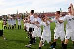 Fotbalisté Uherského Brodu slaví postup do divize, který jim zajistila jasná výhra nad 1. Valašským FC.