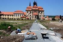 Od května pokračují práce ve velehradské bazilice i jejím okolí.