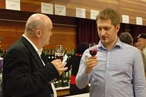 V kulturním domě v Popovicích mohli návštěvníci ochutnat 482 vzorků vín.