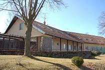Rekreační středisko celníků ještě před proměnou na obecní byty.