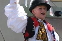 Třiadvacet chlapců ve věku od osmi do patnácti let se utkalo na národní přehlídce dětského verbuňku v rámci Kunovského léta. Na snímku devítiletý Lukáš Balajka z Modré.