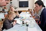 ZVÍDÁLKOVÉ V MUZEU. Děti ani rodiče se při letošním rodinném programu ve Slováckém muzeu nenudili.