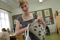 Pavlína Miklasová získala za svoji kabelku cenu na prestižním světovém veletrhu v Hong Kongu.