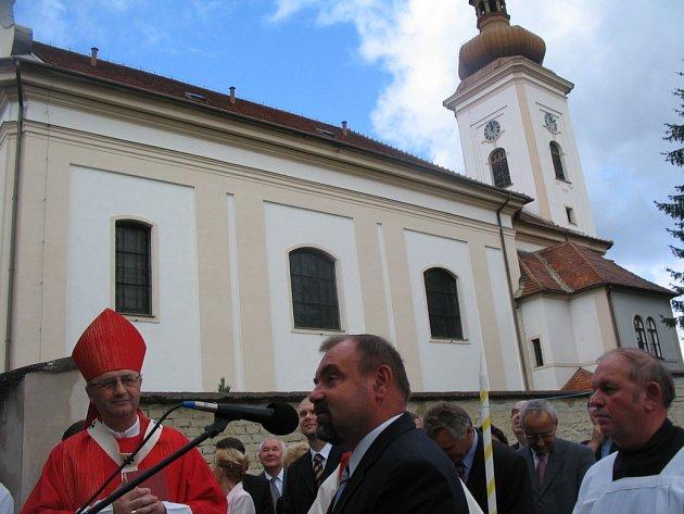 Kostel v Hluku.