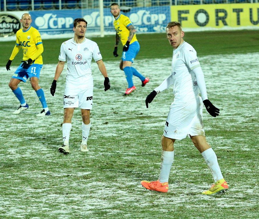 Fotbalisté Slovácka (v bílém dresu) v předehrávce 19. kola FORTUNA:LIGY porazili Teplice 2:0.