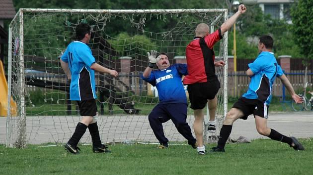 9. ročník mezinárodního fotbalového turnaje se konal v Babicích.