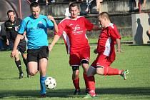 V 1. kole okresního přeboru prohráli fotbalisté Jalubí doma se Sušicemi (v modrém) 0:1.
