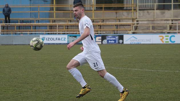 Mladý stoper Slovácka Tomáš Vincour hostuje v druholigovém Blansku.