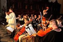 Orchestru lidových nástrojů kraloval jeho vedoucí Lubomír Graffe.