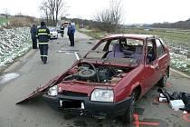 Tragická nehoda osobního auta u Veletin, při které zahynul jeden člověk