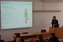 Fakulta logistiky a krizového řízení Univerzity Tomáše Bati pořádala v Uherském Hradišti ve dnech 2. – 3. září konferenci o řešení krizových situací a role logistiky v jejich překonávání.