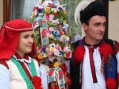 Soutěžní pár číslo 1 - Nikol Škrášková a Roman Tvrdoň, Míkovice, starší stárci na hodech 21. - 22. září.