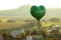 Let vzdušným balonem nad Slováckem.