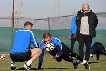 Dopolední trénink fotbalistů 1.FC Slovácko na soustředění v tureckém městě Lara.