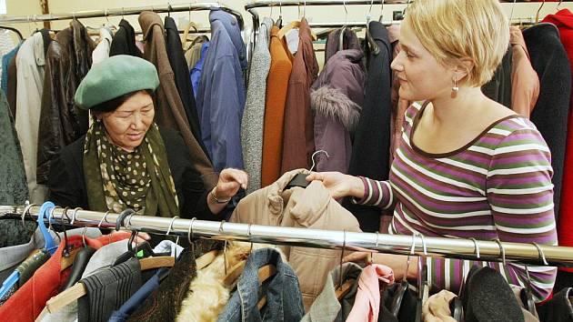 Charita shání oblečení pro potřebné spoluobčany. Ilustrační foto.