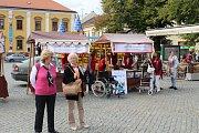 Téměř devět tisíc získala Oblastní charita Uherské Hradiště od společnosti Dobré pivo. Výtěžek z charitativní akce s názvem Běž na pivo a pomáhej jim předali v pátek 15. září na Dnu charity.
