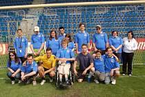 Prvoligoví fotbalisté si začutali s žáky Praktické školy.