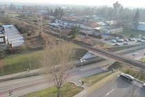 Nová část Uherského Hradiště v areálu Uherskohradišťské nemocnice by mohla být v budoucnu propojena s se zbytkem města také podchodem pod železniční tratí.