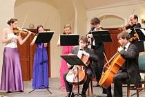 Koncert Slováckého komorního orchestru posluchači odměnili bouřlivým potleskem.
