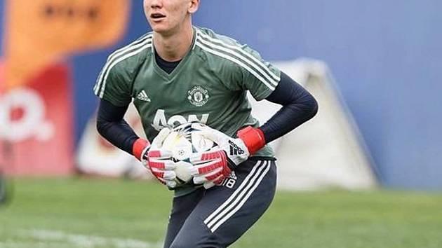 Talentovaný brankář Matěj Kovář (na snímku) vychytal v Anglii výhru fotbalistů Manchesteru United U18 v derby nad Manchesterem City.